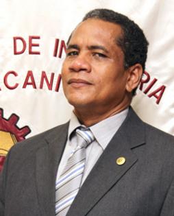 Director del Centro Regional de Colón Ingeniero Policarpio Delgado Martínez
